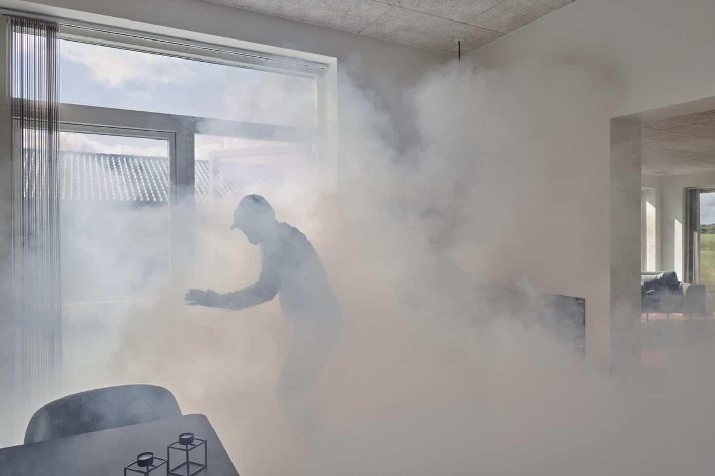 La reacción de un ladrón a la activación de un Fog  Cannon™